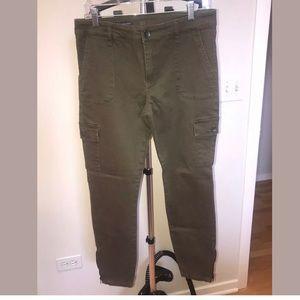 Kut Ankle Skinny Cargo Pants in Green 10